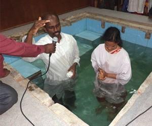 Milhares de pessoas em toda a Divisão Sul-Asiática têm aceitado Jesus como Salvador. Crédito: SAD