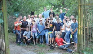 Jovens da Divisão Euroasiática estão envolvidos em atividades variadas de divulgação da mensagem, como evangelismo público e serviço à comunidade. Crédito: departamento de comunicação da ESD