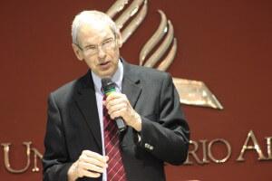 Missionário na Tailândia por seis anos e um dos maiores missiólogos adventistas, Jon Dybdahl foi um dos palestrantes do congresso. Foto: Jhady Felipe