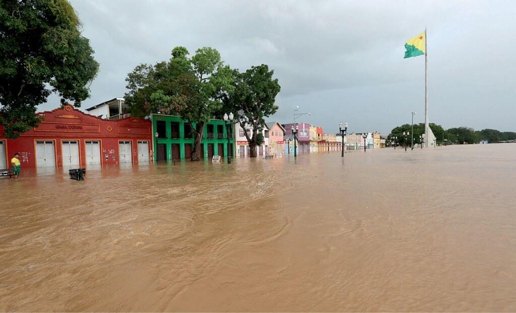 Enchente-do-Rio-Acre-ainda-causa-transtornos-em-Rio-Branco-foto-Sergio-Vale-Secom_0004