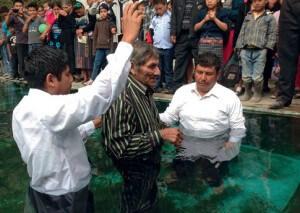 homem_de_110_anos_batizado_na_guatemala