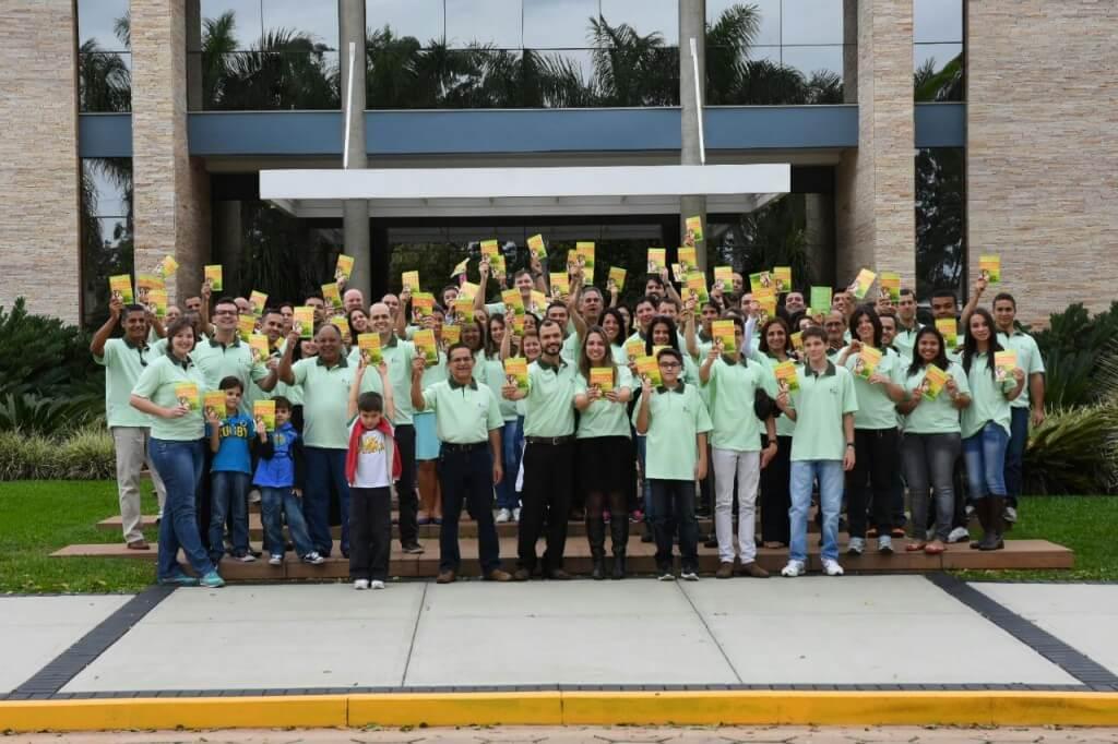 Servidores-da-CPB-distribuem-livros-em-cidade-sem-presenca-adventista-2