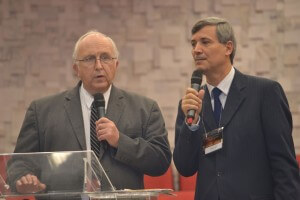 James Nix, diretor do White Estate, traduzido pelo teólogo Milton Torres. Foto: Wendel Lima