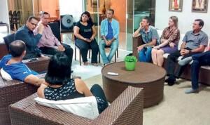 Pequeno grupo em Porto Velho: em algumas regiões, as reuniões em casa atraem mais visitantes do que os cultos na igreja. Foto: Leonardo Torres