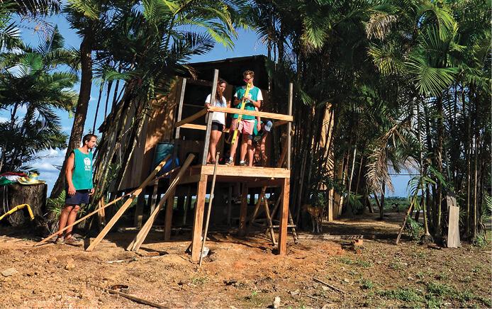 ONG formada por profissionais adventistas já construiu mais de 30 banheiros em comunidades remotas da Amazônia. Foto: Fernando Borges
