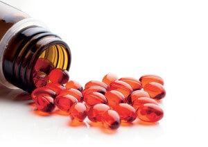 A utilização de suplementos de maneira inadequada pode ter efeitos adversos para a saúde e o bolso. Créditos da imagem: Fotolia (nikkytok)
