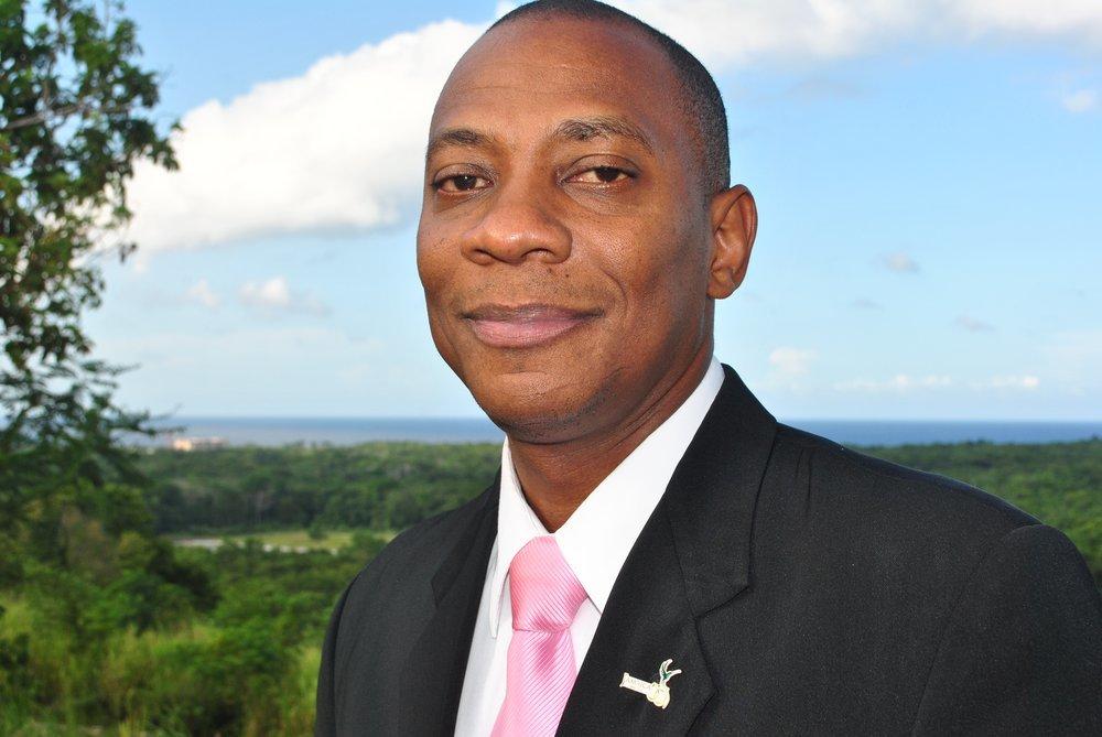 Primeiro adventista nomeado capelão da polícia da Jamaica - foto 2