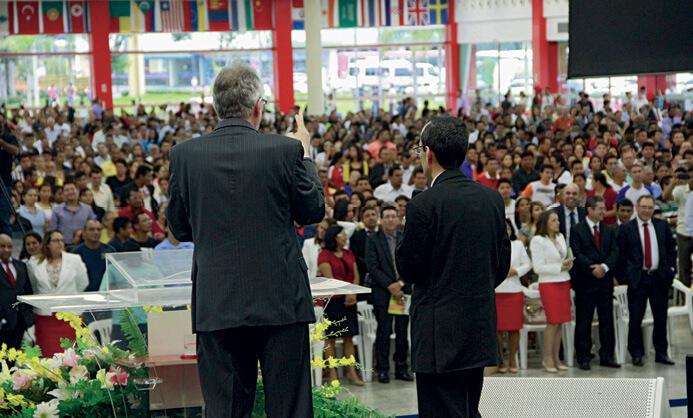 Diante de 7 mil pessoas em Manaus, líderes apresentaram as implicações práticas da liberdade religiosa e incentivaram os adventistas a ser embaixadores da causa.  Foto: Tiago Virmes/ASN