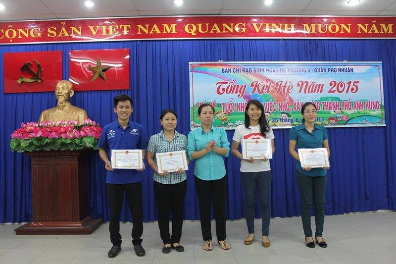 Autoridades vietnamitas reconhecem o trabalho feito por jovens do Um Ano em Missão