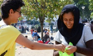 Site do jornal inglês The Guardian deu destaque às ações realizadas pela ADRA para auxiliar refugiados na Europa. Foto: ADRA