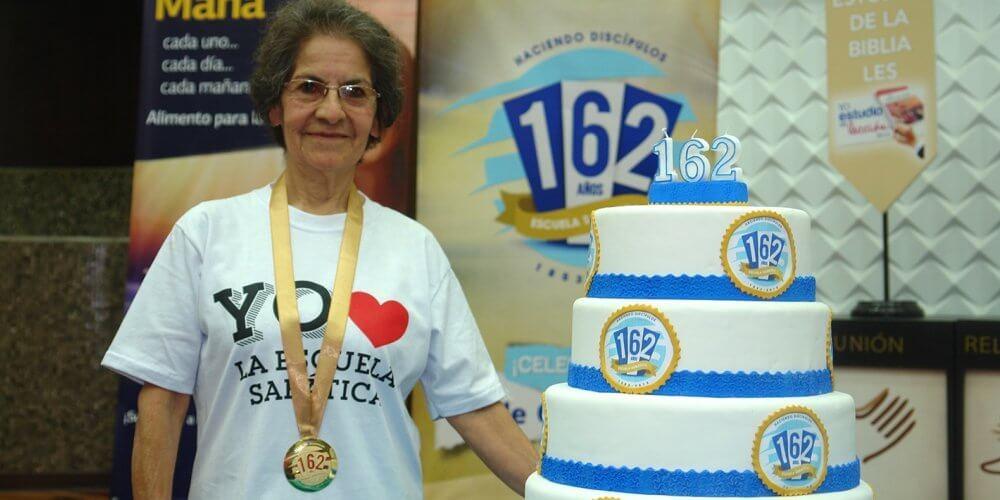 Peruana professora da Escola Sabatina por 50 anos