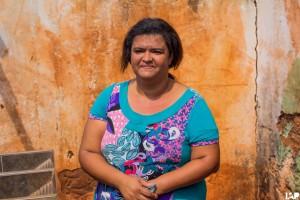 Doação de cesta pelos alunos do IAP para a Cristina