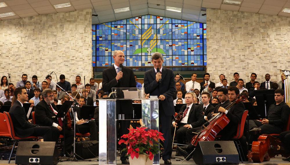 Centenário-da-FAT-pastor-Ted-Wilson
