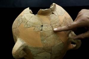 As dez principais descobertas da arqueologia bíblica de 2015 - jarro de 3 mil anos