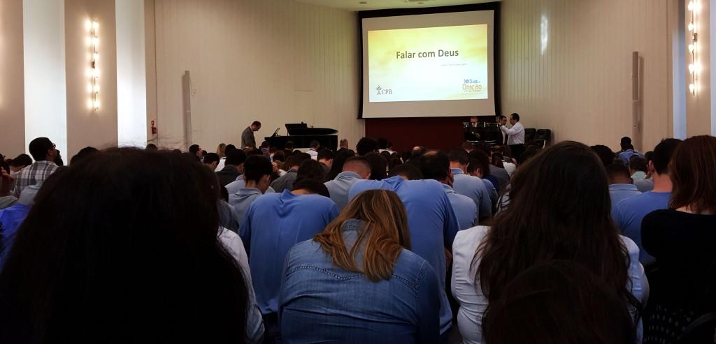 Servidores da CPB participam da campanha dos dez dias de oração. Créditos da imagem: Márcio Tonetti