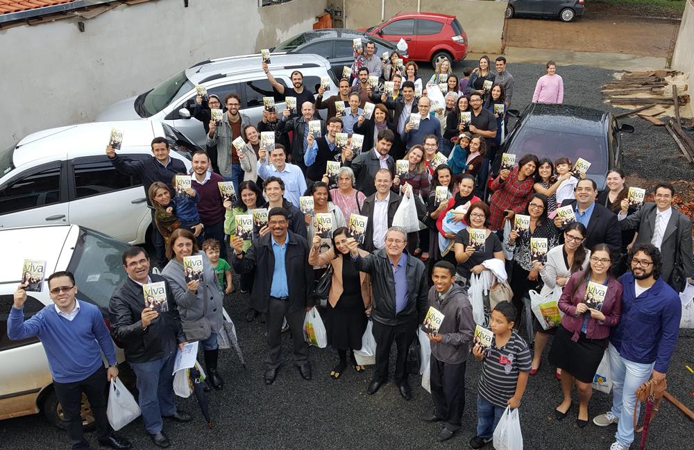 Distribuição-de-livros-em-Pereiras-2