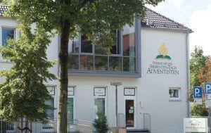 A congregação adventista em Munique-Waldfrieden ofereceu um culto fúnebre no dia 24 de julho para as vítimas do ataque Olympia Mall. Foto: Divisão Intereuropeia