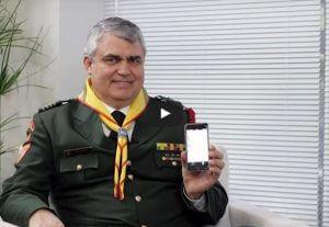 Pr. Udolcy Zukowski, líder sul-americano dos desbravadores, mostra novo aplicativo disponível para os participantes do clube. Créditos da imagem: ASN