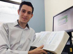 Pastor Diogo Cavalcanti já contribuiu com a produção de grandes obras, a exemplo da versão em português da Bíblia de Estudo Andrews, lançado no fim do ano passado.