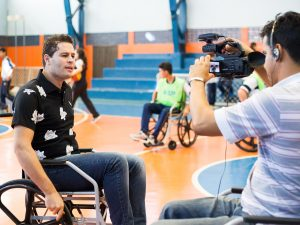 No dia do profissional de Educação Física, equipe de reportagem de afiliada da Globo para a região produziu material sobre o projeto (foto: Eduardo Fonseca)