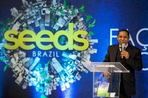 Pastor Luís Gonçalves, líder sul-americano de Evangelismo, fala aos participantes da 2ª edição do Seeds Brazil sobre o real sentido do evangelismo urbano. Créditos: UCB