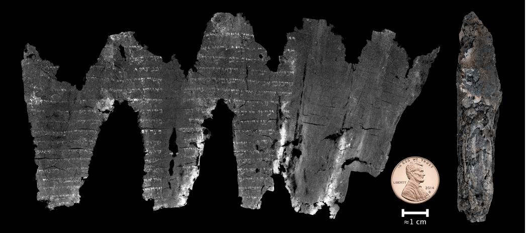 Pergaminho carbonizado que permaneceu indecifrável durante décadas foi desenrolado virtualmente por meio de um scanner digital. Créditos da imagem: revista Science Advances