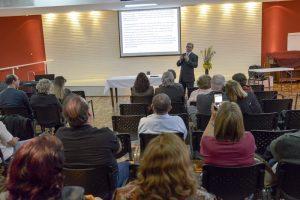 Pastor Márcio Nastrini apresenta palestra mostrando como interpretações errôneas sobre a encarnação de Cristo levam ao perfeccionismo. Foto: Daniel de Oliveira