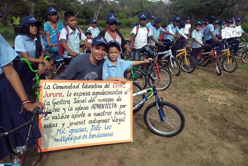 Fatos - Doação de bicicletas - créditos Mauricio Buitrago